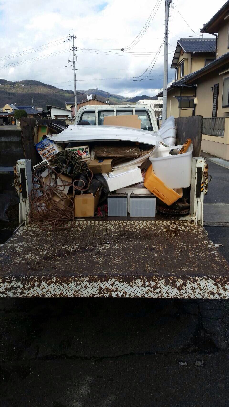 福岡市早良区でカーバッテリー、プラモデルなどの不用品回収しました。