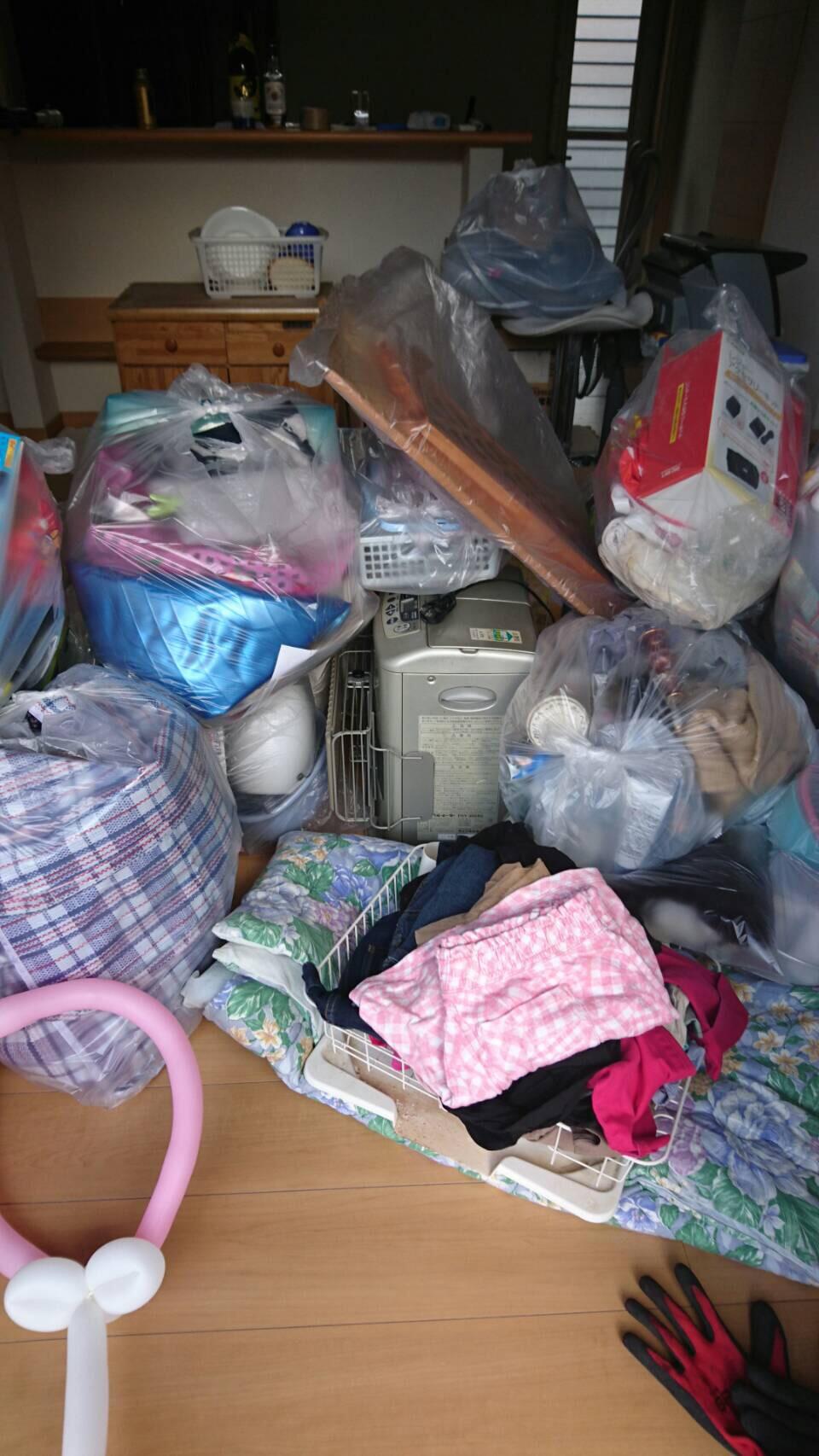 福岡市城南区で汚部屋(オベヤ)掃除をしました。